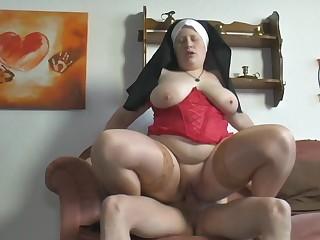 Nonne Petra, wie immer Abenteuerlich anzusehen