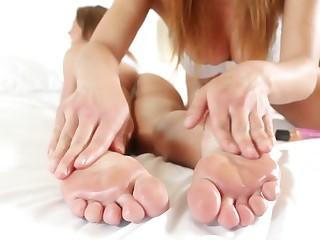 Mia's Lesbian Massage