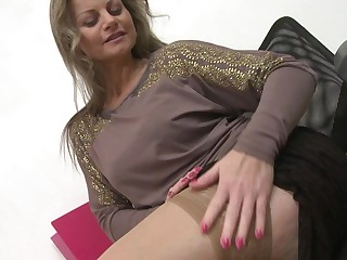 This hot MILF loves to play all alone