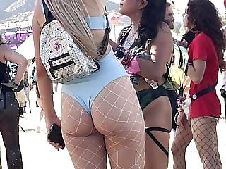 Really cute blonde rave girl in fishnet