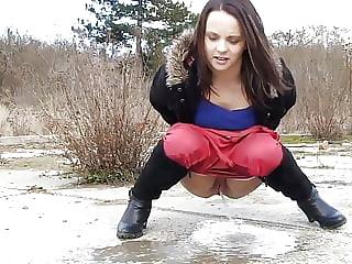 Bosniak Girl Pissing