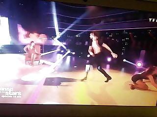 Iris Mittenaere la chienne dans danse avec les stars