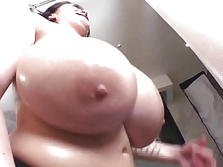 Leanne crow big natural tits
